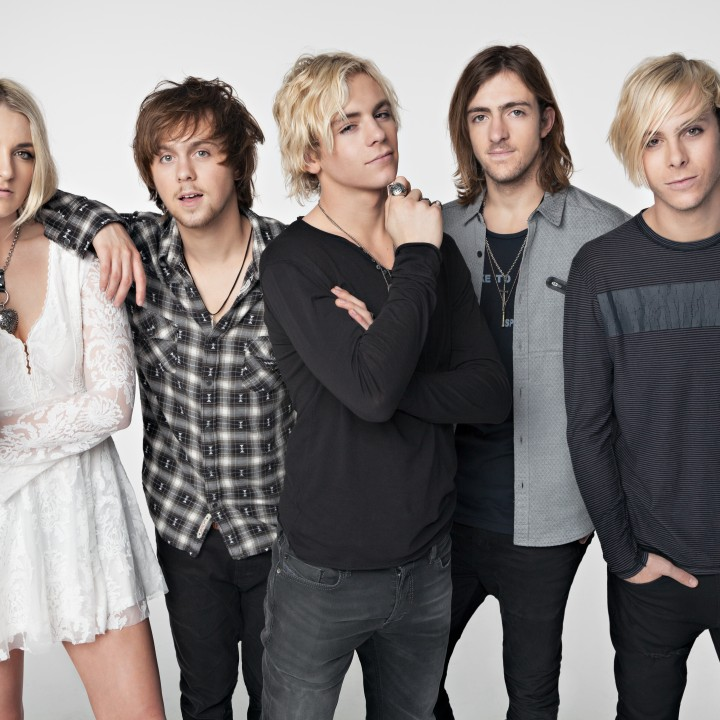 "R5 ""SOMETIME LAST NIGHT TOUR"""