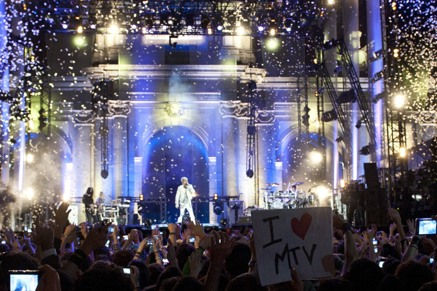 MADRID, SPAIN: Thirty Seconds to Mars perform live at Puerta de Alcala on November 7, 2010 in Madrid, Spain
