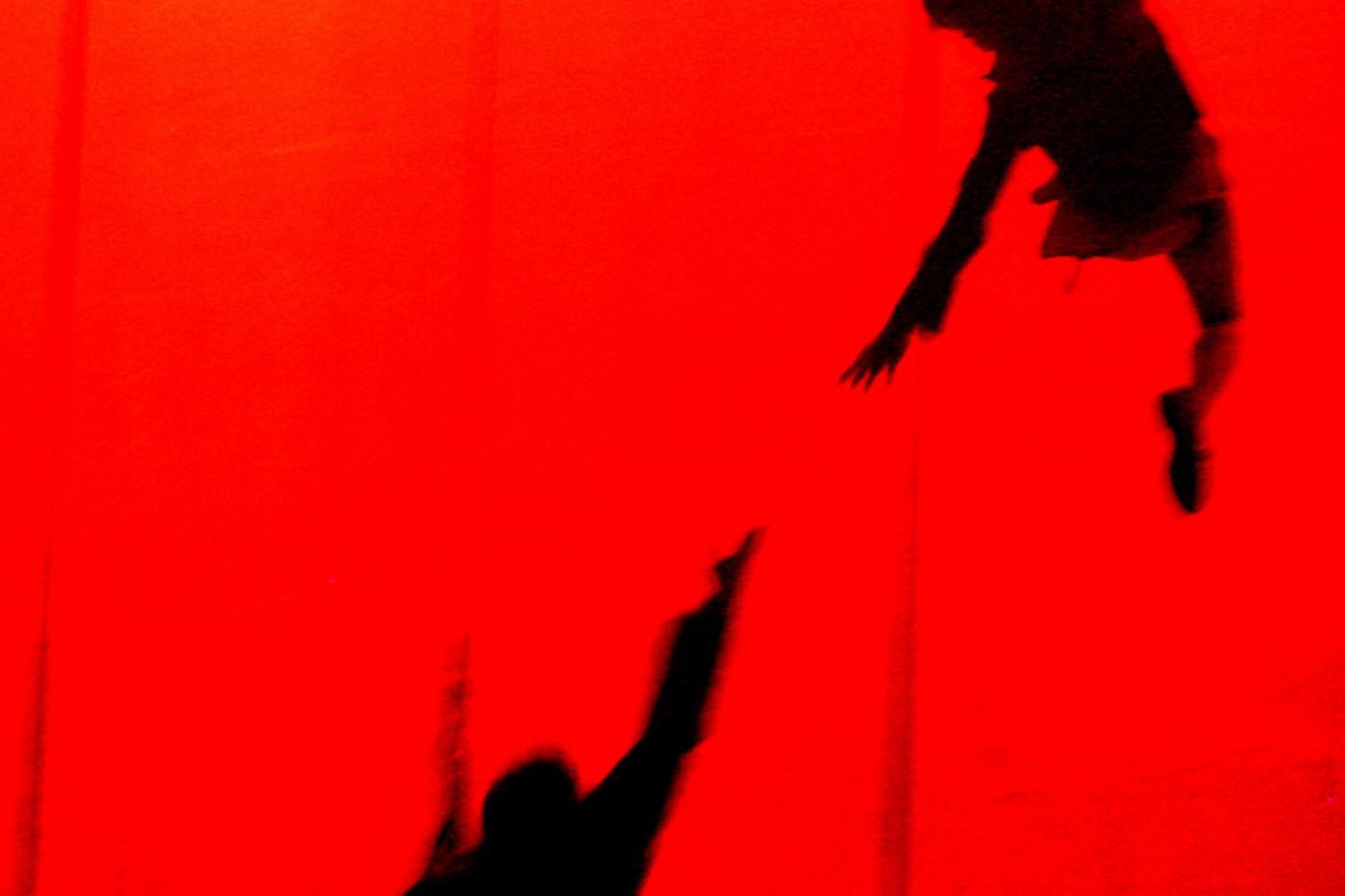 La compa–'a teatral argentina de la Guard'a presenta su cl‡sico espectaculo Villa Villa en el Coliseo el Camp'n de la Ciudad de Bogot‡ en el marco del Festival Ibero Americano de Teatro el 16/04/2006