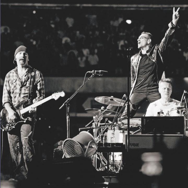 """U2 """"ZOO TOUR"""""""